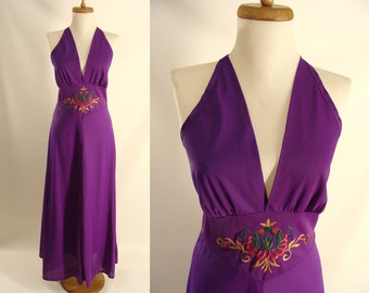 Purple Nightgown. Halter Dress. vintage 70s Purple Nylon Halter Top gown w/ Embroidered Floral Design. Queens Way To Fashion. size 36 Medium