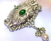 Retro Antique Old Silver Vintage Green Rhinestone Brooch, vintage rhinestone brooch, vintage rhinestone jewelry, green rhinestone pin