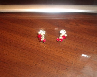 vintage clip on earrings silvertone red white prong set rhinestones