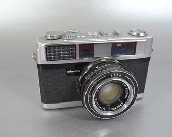 Vintage Minolta AL  35MM Camera- We have a great selection of vintage 35mm cameras