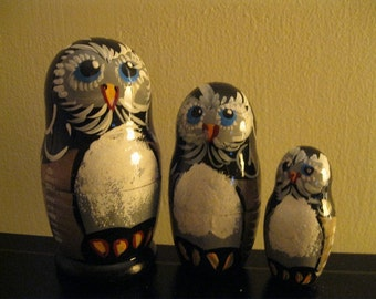 OWLS family - Nice nesting dolls art set.  Hand painted in Russia  on wood.