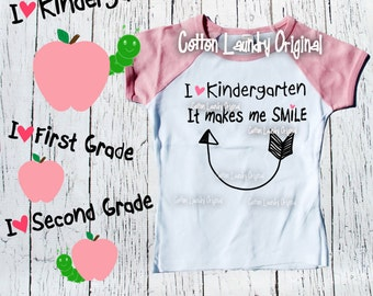 Back to School Shirt; I [heart] kindergarten it makes me smile;back to School Tee;  First Day of School Shirt