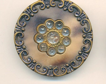 Antique Victorian Metal Button -  Ca. 1890's