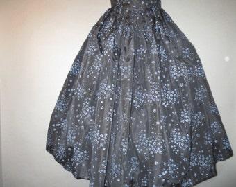 """1950's Flocked Taffeta Skirt // Loose Box Pleats // Wide Waist Band // Metal Zipper Button Waist...26"""" waist"""