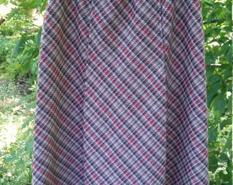 Ladies polyester plaid/houndstooth pleated skirt Size 14
