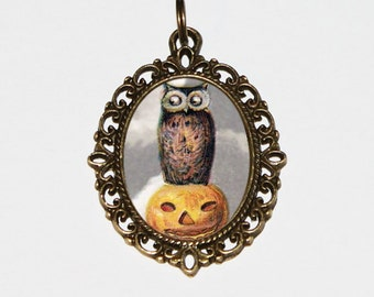 Pumpkin Owl Necklace, Halloween Jewelry, Bronze Oval Pendant