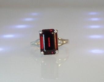 Garnet Ring in Sterling Silver RG2