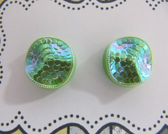 Mermaid studs from vintage glass buttons, green glass button earrings, 13 mm green studs, post earrings, hypoallergenic sensitive ear studs