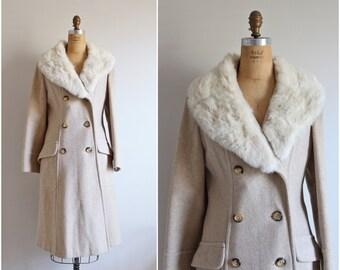 Vintage 70s Sears Fashions Collar Fur Princess Coat / Fur Trimmed Coat / Oatmeal Coat