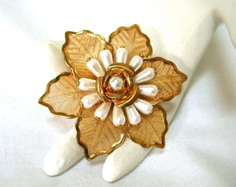 Vintage Pearl Mesh Floral Brooch, flower pin, scarf pin, gold tone, 1970's, Excellent