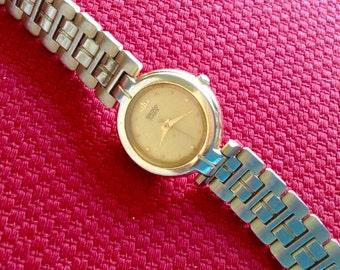 Seiko Vintage women's watch classic style watch 1980s wrist watch