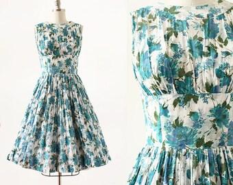 Rose Print 1950s Dress / Blue and Green Rose Dress / 1950s Rose Dress / Medium 28 Waist / Party Dress / 1950s Floral Dress / Flower Print