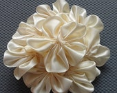 Moving Sale 1 Gorgeous Ivory Cluster Flower