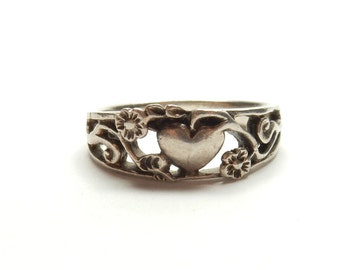 Vintage Sterling Silver Heart Scroll Ring