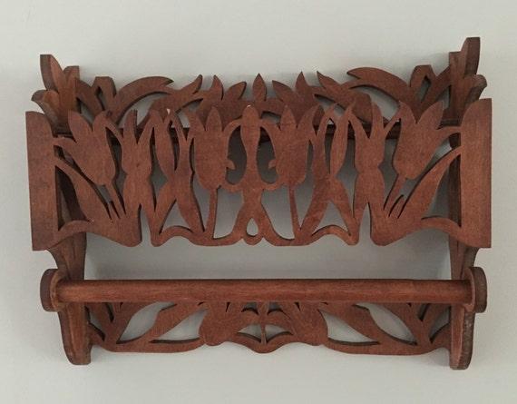 vintage wood tulip and towel bar wall shelf handcarved very. Black Bedroom Furniture Sets. Home Design Ideas