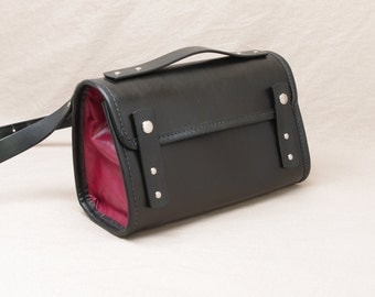 Small Messenger Purse - Black / Red