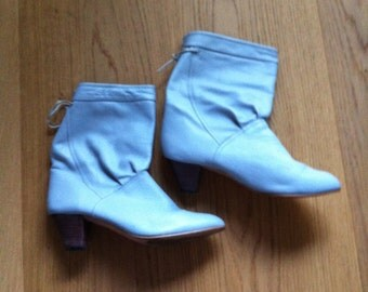 80s Light gray slouchy leather boho booties US 7.5 EUR 38