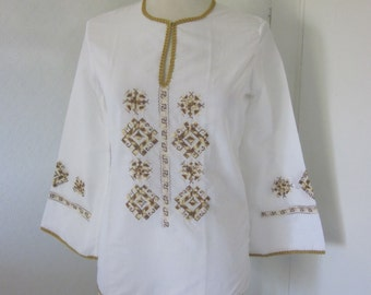 Bohemian embroidered shirt / blouse from the 70s