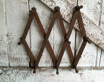 Wooden Accordion Peg Hook, Expandable, Wall Rack vintage folding hook rack