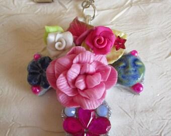 "Petite broche ""croix fleuries 7"""