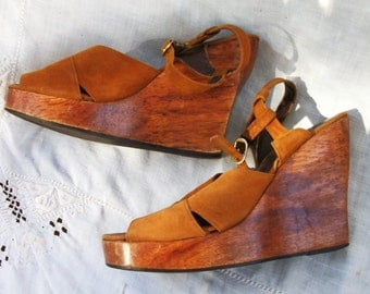 Brown Leather Stacked Wooden Heel ~ Wedges ~ Adjustable Strap ~ Vintage 1970's era Shoes
