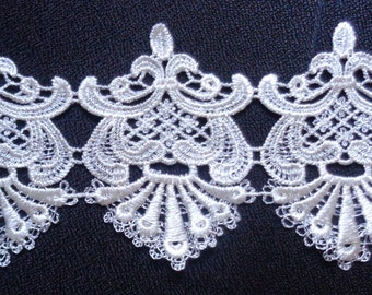 Venise lace trim, 4 inch wide  cream  color selling by the yard
