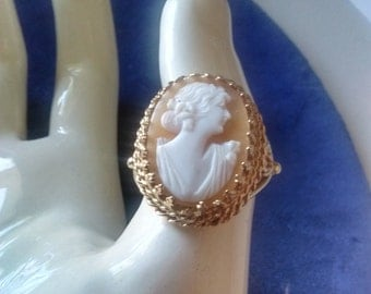 Cameo Ring Set in 10K AL