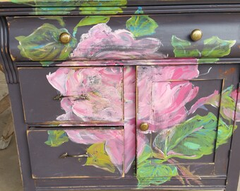 Victorian shabby chic it's coming up roses Bombay storage
