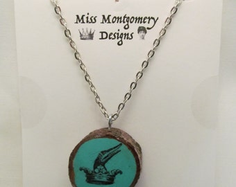 Alligator // Crown // Heralidic // Royalty // Regal // turquoise // pendant // unusual // wood // wooden // necklace