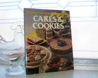 Vintage Cookbook Cakes & Cookies 1978