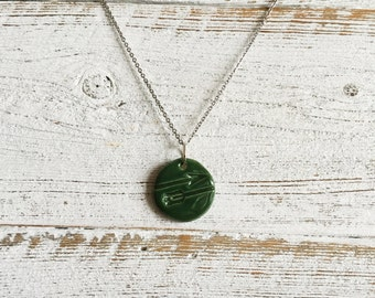 Ceramic Arrow Pendant, Forest Green, Unique Gift, Woodland, The Green Arrow Inspired, Gift for Her, Arrow, Unique Jewelry, Ceramics