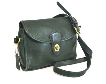 Vintage COACH Classic Bag -  Leather Turnlock Flap Bag in Dark Green