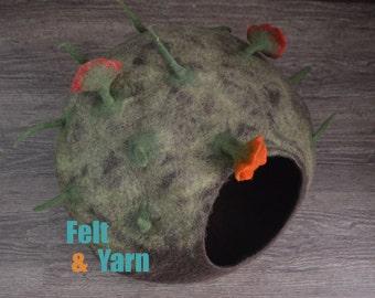 Extra Large felt cat cave, flower cat cave, felt cat house, flower cat house