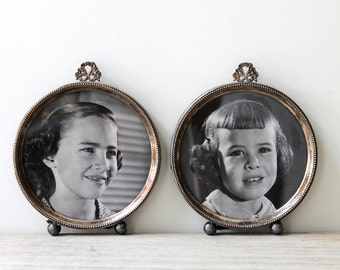 Lebkuecher & Co. sterling silver vintage round frame set / cottage decor / Victorian style home / gray metal frame / retro kids photo set