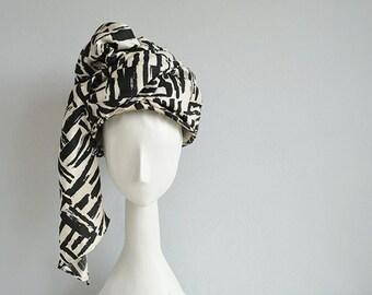 Vintage 60s Silk Hat / 1960s Mod Silk Stripe Wrap Turban / Black White Brush Stroke Print