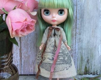 Blythe dress I love Paris