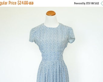 25%OFF SALE 90's Vintage Dress, Blue Floral Dress,