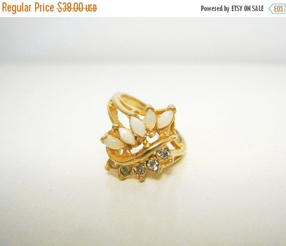 Vintage 1960's Gold Tone Ring with White Stones and Rhinestones - Size 6