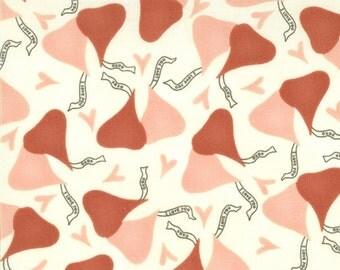 1 yard fabric 17416-12    MODA Candy Kiss Sandy Gervais    Free Shipping