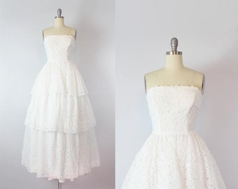 vintage 50s dress / 1950s white eyelet dress / 50s wedding dress / white organdy dress / tiered strapless dress / Freesiana dress