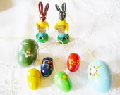 8 pieces German Vintage Wooden Bunny and Egg Ornaments, made in the the 70ies - Home decor for Easter