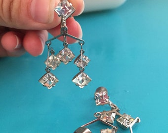 Rhinestone 50's Earrings Screwback crystal Silvertone Dangle Earrings
