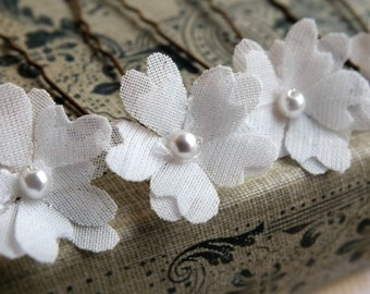 flower hair pins, white fabric flowers, bridal accessory, set of 5