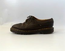 Wingtip Dr Marten Oxford Boots Vintage 90s Grunge Brown Leather Docs Made In England Womens Size US 7 UK 5 Unisex Boots 1990s Punk Rocker