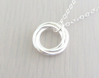 Four Linked Circle Necklace, 4 Sterling Silver Circle Necklace, Ring Necklace, 40th Birthday Gift, 4 Sister Necklace, Mother Necklace, 14mm
