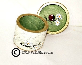 Small Jewelry Box Handpainted Daisy Ring Box Ivory Green Ladybug Decor Cottage Chic Special Gift Engagement Wedding Ring Presentation OOAK