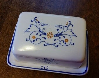Vintage Porcelain Covered Cheese Dish