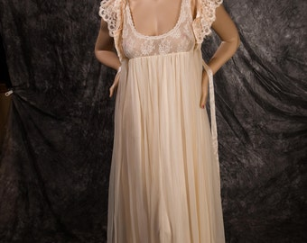 Vintage Ivory Lingerie Tosca Bridal Set Chiffon Nightgown and Peignoir Size Medium
