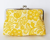CLUTCH in Yellow lace print - SMALL