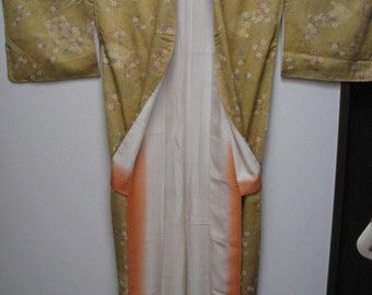 ON SALE: 10%off,Vintage Kimono,Silk,Gold,flower pattern,No.7